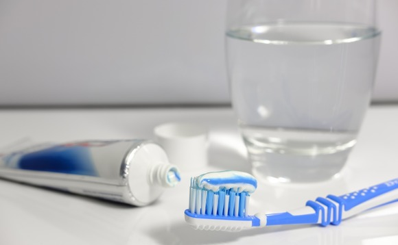 More than a quarter of UK adults do not brush teeth twice a day